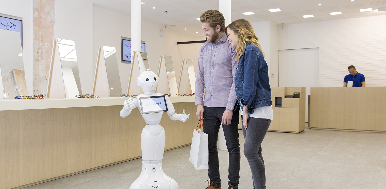 robots-business-attract-customers-pepper